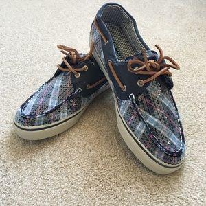 4f665de583c Women s Sperry Bahama Canvas Boat Shoes on Poshmark